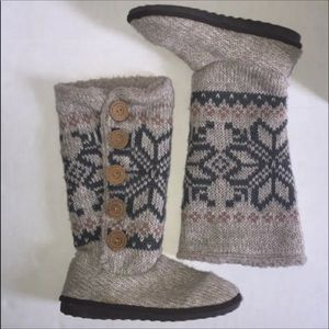 Muk Luks Lined Sweater Boots Size 7.5